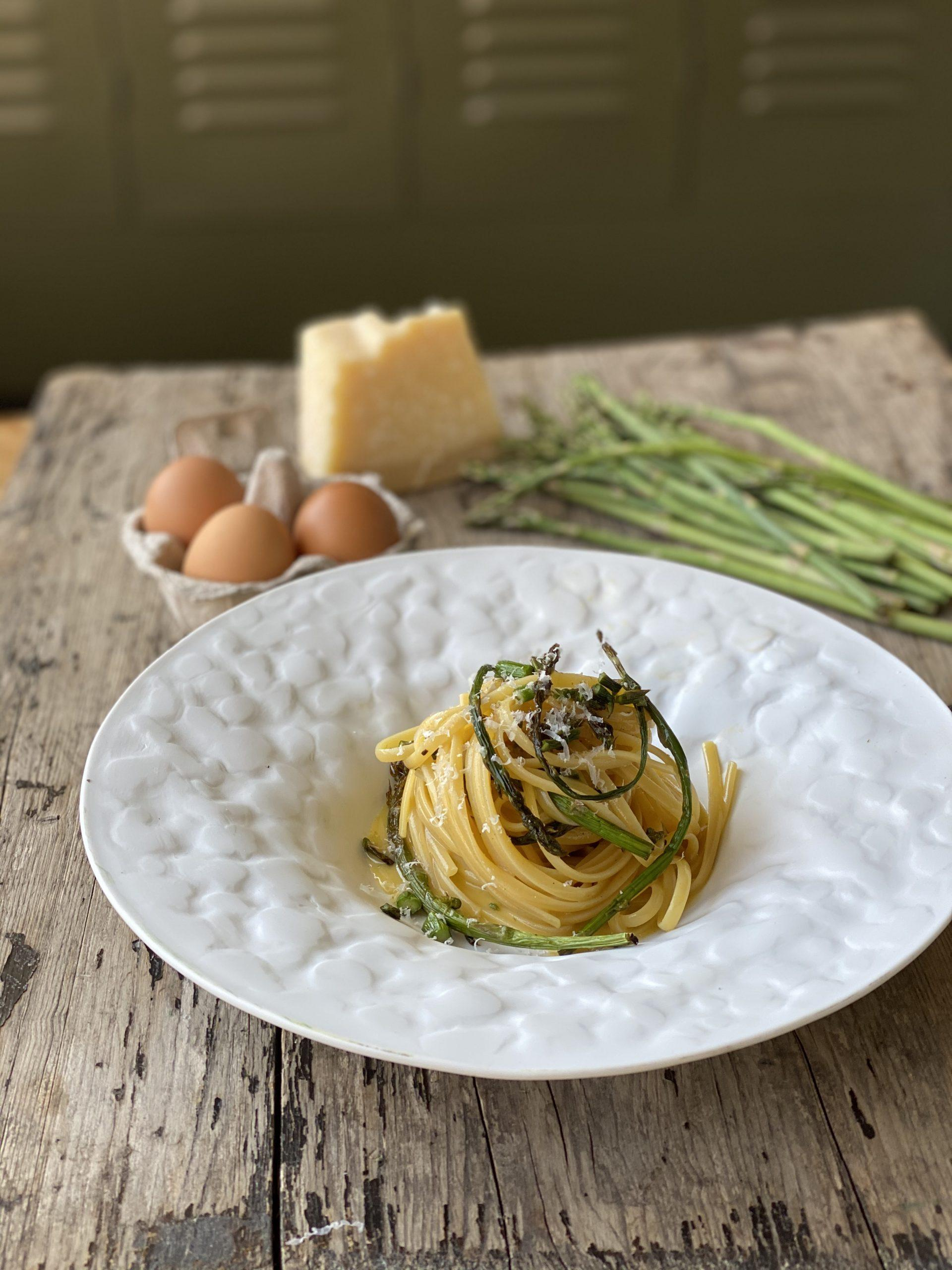cacio-uova-e-asparagi